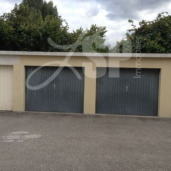 Garage vendre box garage vendre saint martin d 39 h res 38 13000 eur lsp immobilier rives - Garage st martin d heres ...