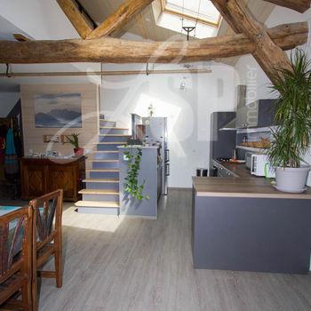 Maison de village + Studio + Atelier : Vinay
