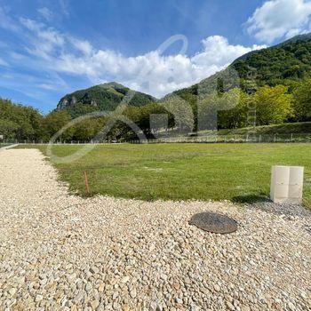 Terrain plat et partiellement viabilisé (Lot B) : St Gervais